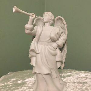 ☘️Avon Nativity Collectibles Angel Figurine☘️